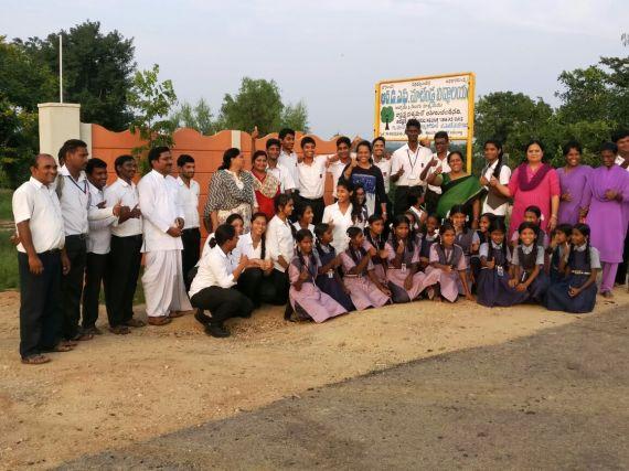 Silver Oaks team with the Matendla School team